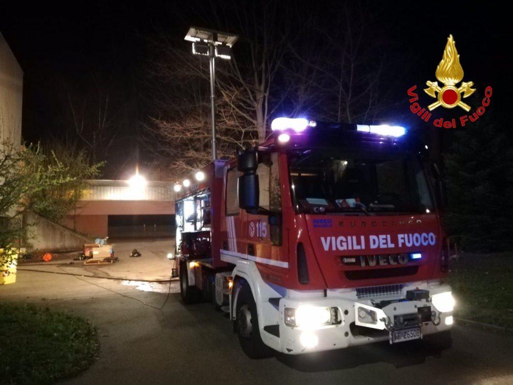 Incendio alle scuole medie di Solbiate Arno